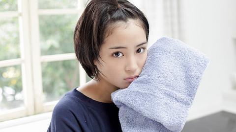 広瀬すずちゃんが強烈キックを連発。