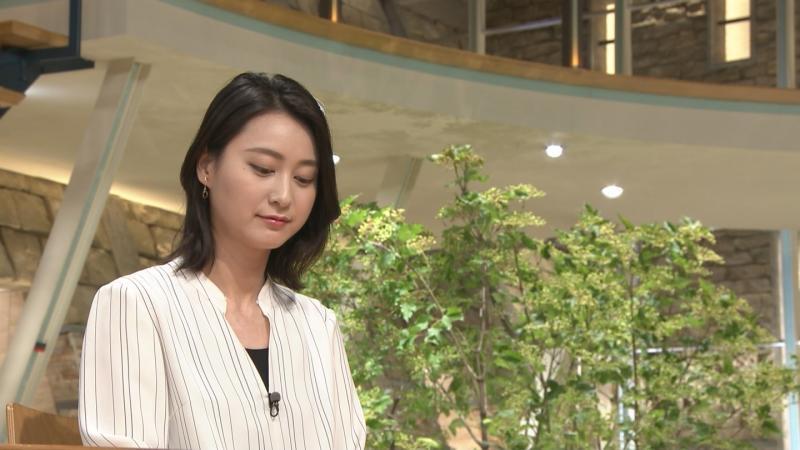 小川彩佳 エロい胸元 報ステ 180711