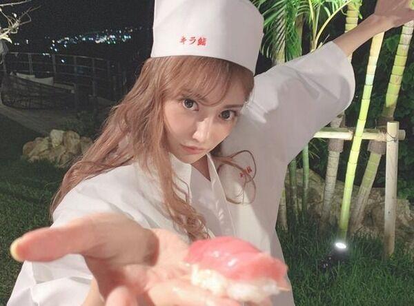 【画像】このAV女優さんが握った寿司食べたい?