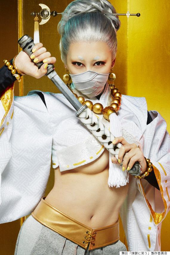 浅田舞、舞台で下乳見せる詐欺か?プレス向けの写真と実際の衣装が違う件(画像 あり)