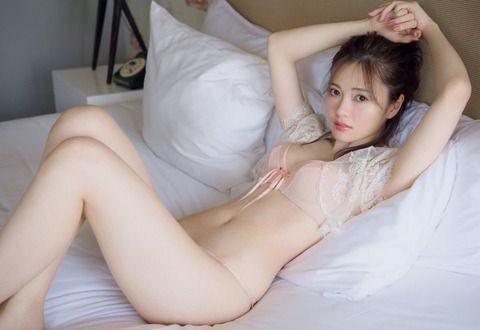【画像】乃木坂・白石麻衣って日本一の美人じゃない?