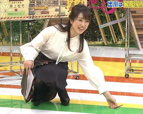 川田裕美・人妻熟女フリー女子アナのパンチラ胸チラ画像でシコれ!