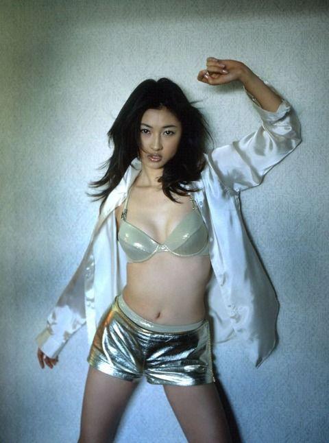 菊川怜が知的でセクシーで欠点がない 79枚