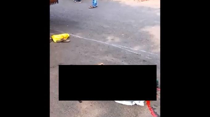 【閲覧注意】 トラックに潰された親子。