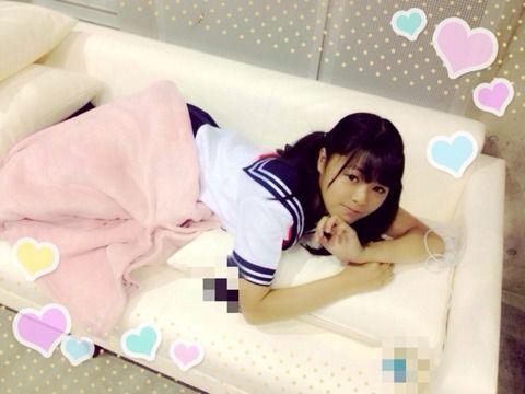 【JKビジネス】東京都議会、規制条例案可決 18歳未満の就労禁止、水着や下着姿で接客するガールズ居酒屋も