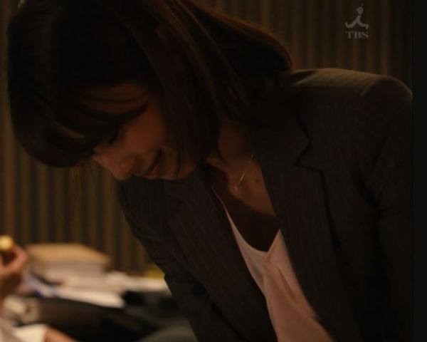 加藤綾子 エロい胸元 「ブラックペアン」第2話