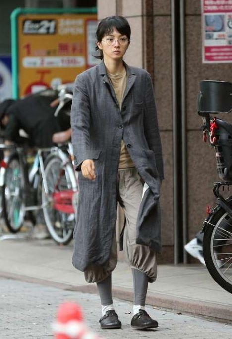 【画像】女優・満島ひかりの私服がヤバすぎると話題に