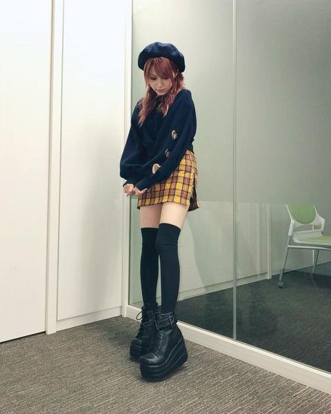 【画像】元モー娘。田中れいな(28)のミニスカ+ニーハイ+ブーツ キタ━━━━(゚∀゚)━━━━!!