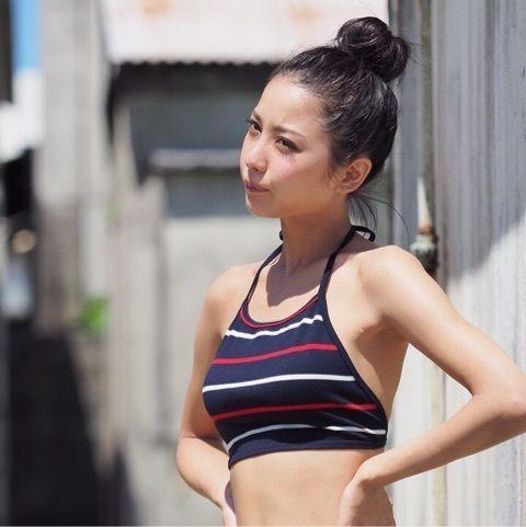 石川恋の乳首透けっておっぱいの形がいいだけにエロさが増すよな