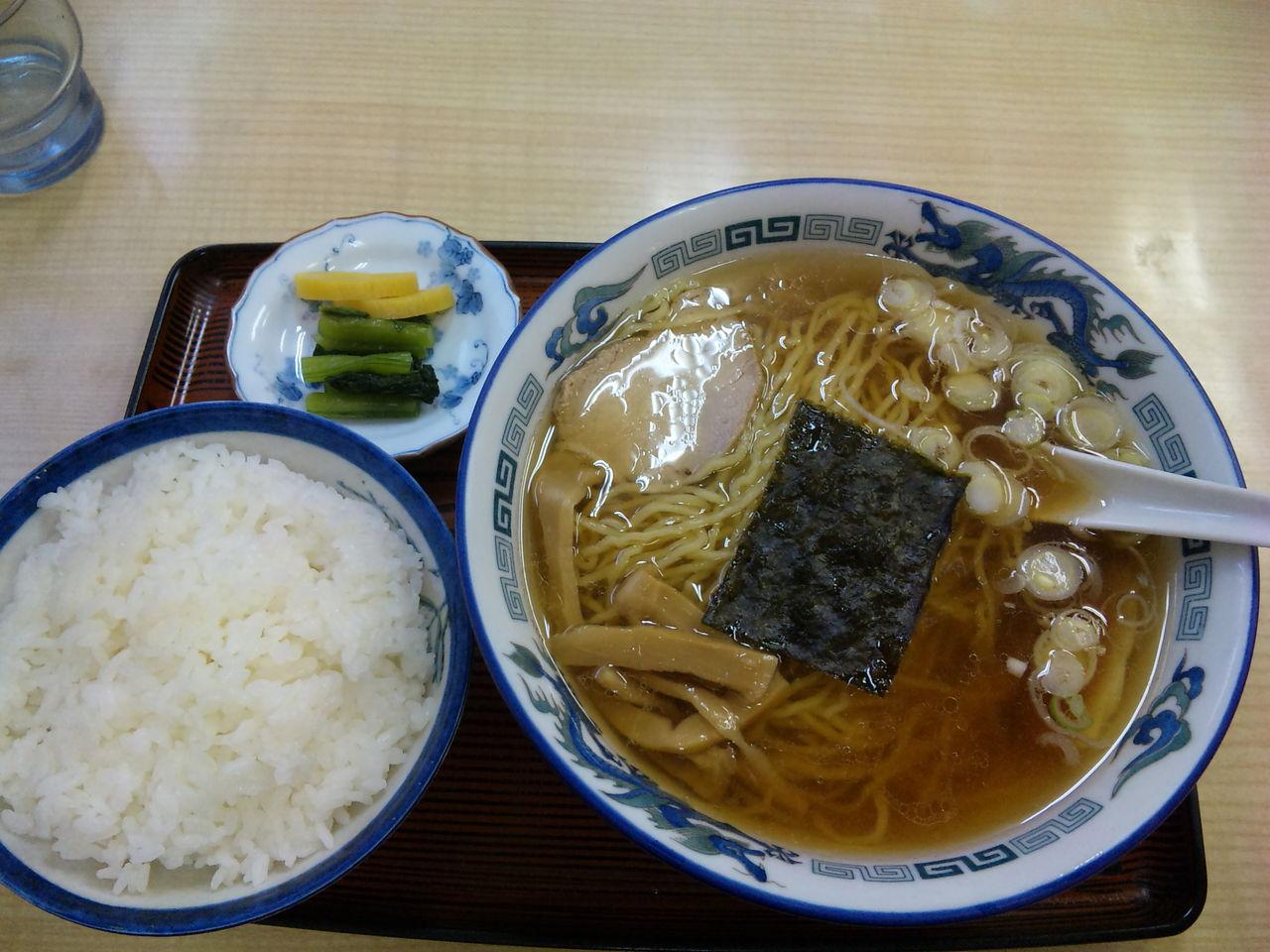 【話題】昼食に「麺+ご飯もの」のセットを食べてはいけない理由