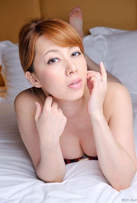 【画像】AV女優の出演作品数ランキングwww