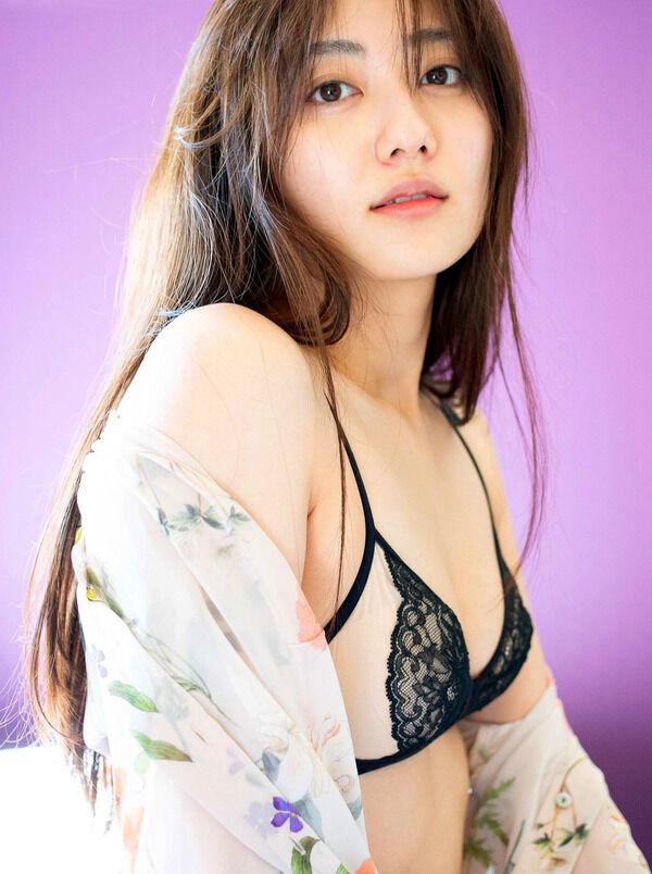 【グラビア】奥山かずさ写真集、「女性美×エロス」健康ボディーを大胆披露で発売前に早くも重版決定!