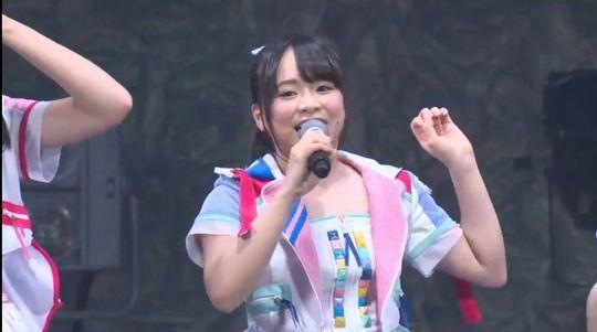 【画像】AKBチーム8・倉野尾成美ちゃんのドスケベボディwww