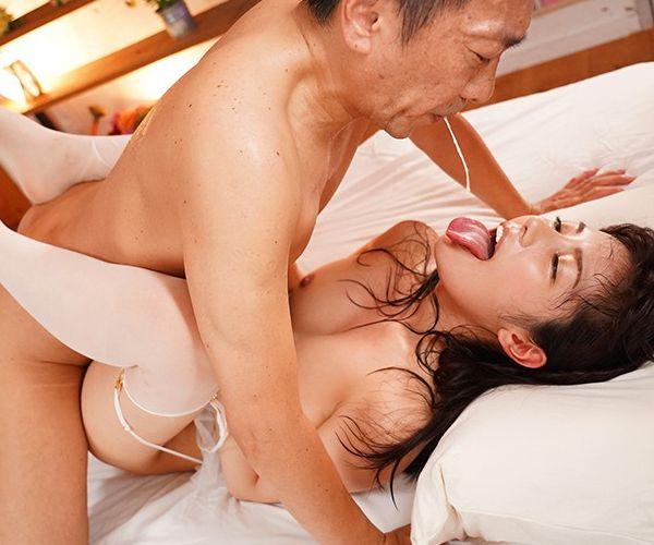 """【熊切あさ美】崖っぷちアイドルは最終的にハプニングで""""乳首""""を見せるwwwww"""