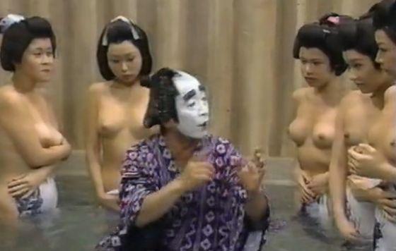 【画像】昭和生まれのおっさんに聞きたいんだけど昔のテレビって普通に乳首丸出しだったって本当?