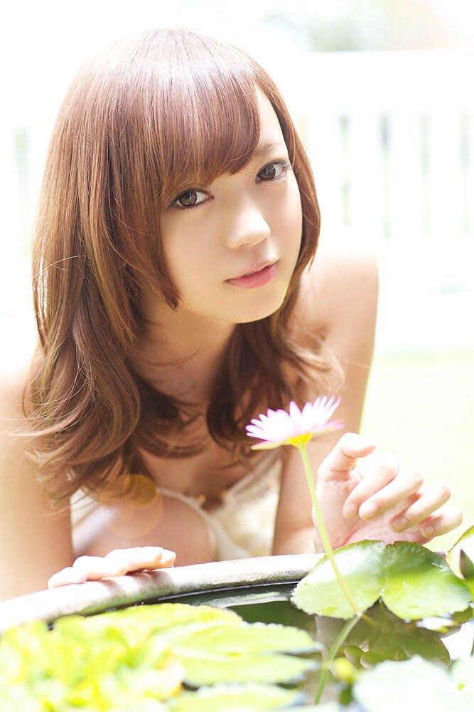 グラビアアイドル鎌田紘子(28)がなかなか病んでるwwww