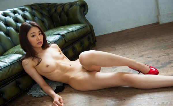 夏目彩春(なつめいろは)美脚美女の画像140枚
