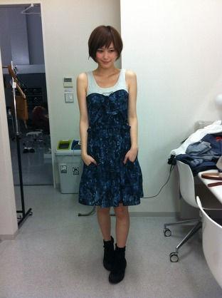 【画像】本田翼ちゃん「みてみて、新しいお洋服かったの!!(パシャー」