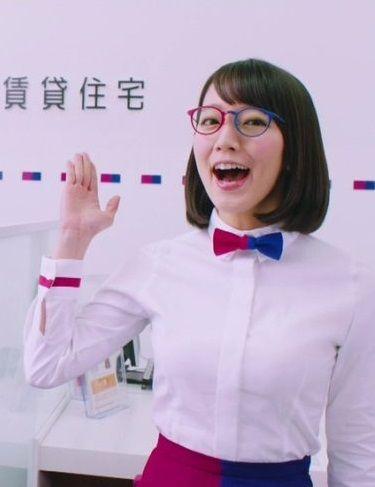 URの吉岡里帆のお●ぱいがでかすぎてワイシャツのボタンがはじけ飛ぶwww(画像 あり)