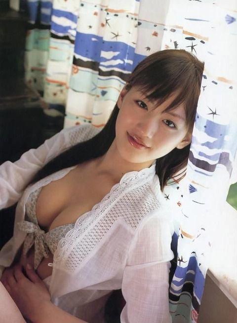 【画像】綾瀬はるかとかいう「可愛い・天然・巨乳」全てを兼ね備えた女優www