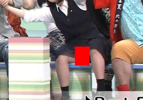 「NHKのど自慢」で女子高生がパンモロ放送事故wwwwww