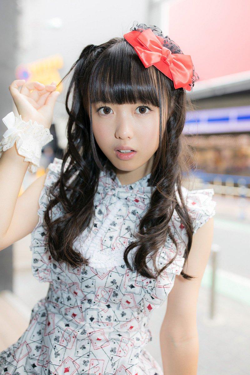 【画像】日本一かわいい小学生だった女の子が成長したら美少女になった!!