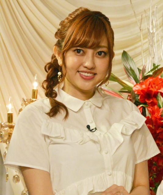 【タレント】菊地亜美が1カラットダイヤの指輪披露 ウエディングドレスは桂由美氏にお願い?