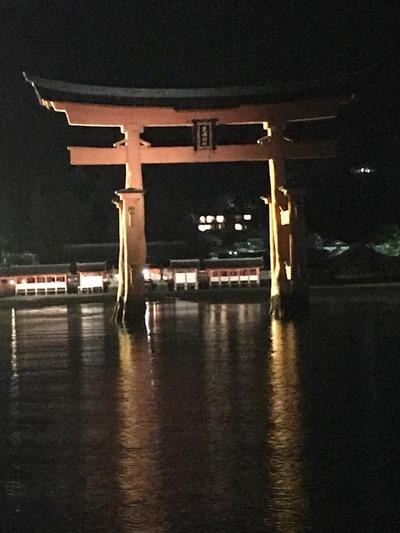 17厳島神社ナイトクルージング