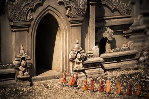 散策 [東武ワールドスクウェア/アーナンダ寺院] : D800E + AF-S NIKKOR 70-200mm f/2.8G ED VRII