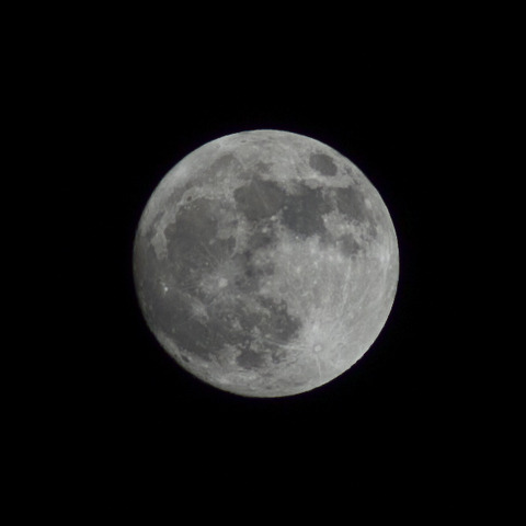 夜空 [月] : PEN E-P3 + Rollei Sonnar HFT 2.8/135