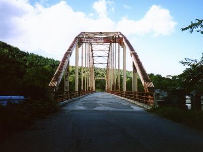 夕張地方の古びた鉄橋。