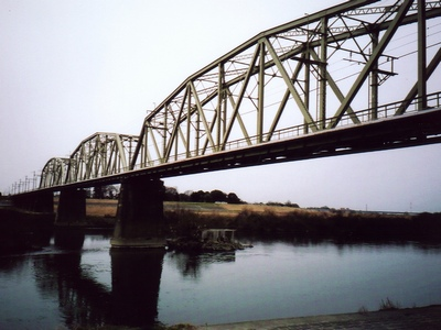 冬空と鉄橋。