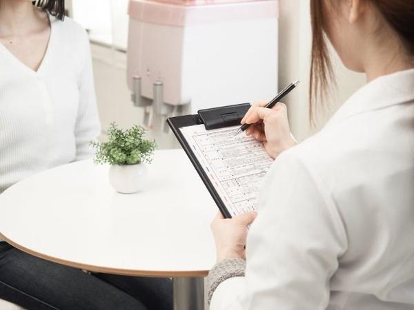 【多発性硬化症】疾患修飾療法の早期開始を推奨する新ガイドライン