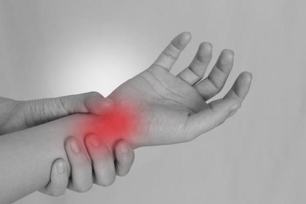 【関節リウマチ】関節の痛みに対するサプリメントと栄養素:ビタミンDの効果