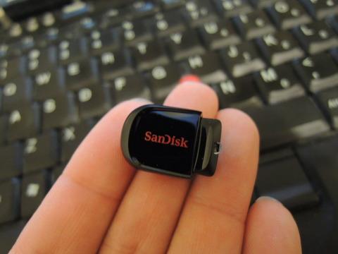 Sandisk USB フラッシュメモリ Cruzer Fit CZ33 32GB サンディスク 海外パッケージ品