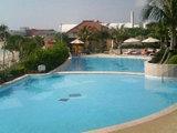 『沖縄』プールでのんびり