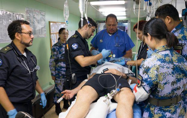 カスティリヤ中国と医療演習その2EU写真