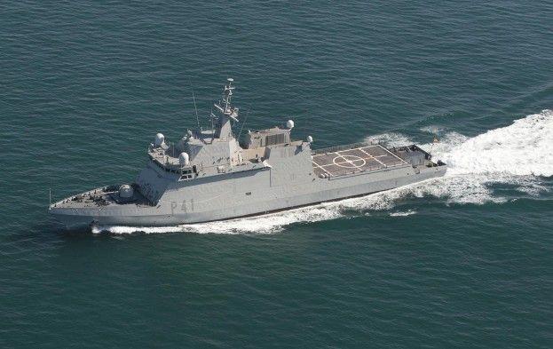 ソマリア2013.8スペイン新鋭艦