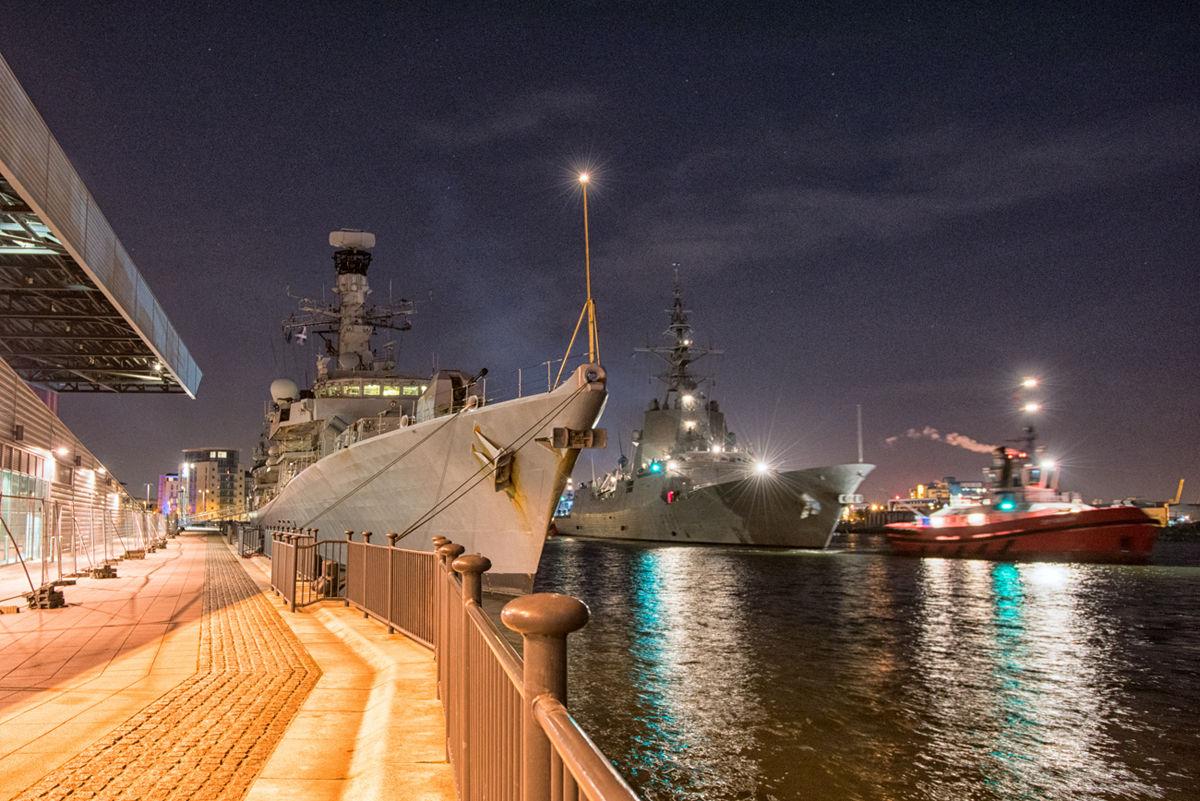 アルバロデバサンロンドンに入港2016.1