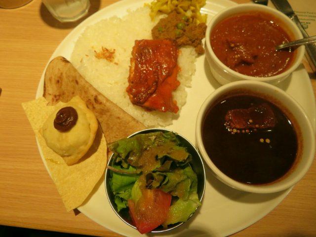 デリー銀座店で「特選ダブルコンボランチ」(2種カレーでカシミールとカラヒをチョイス!)