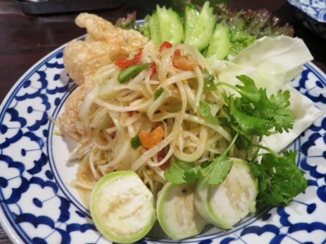 タイ料理「ソムタム」(青いパパイヤのサラダ)のランチ導入を!(夜系ではない)