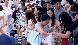 外国人「日本の中国人観光客の多さは異常・・なんでこんなにいるの??」