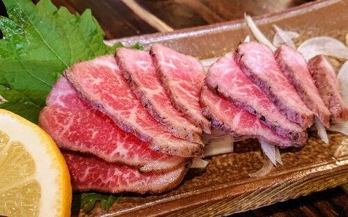 島料理と泡盛の店 花ずみ〈那覇市久米〉