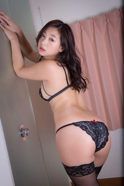 佐山彩香2