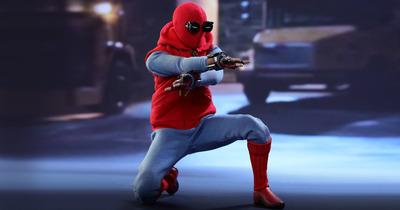 hottoys-marvel-homecoming-spiderman-homemade-03