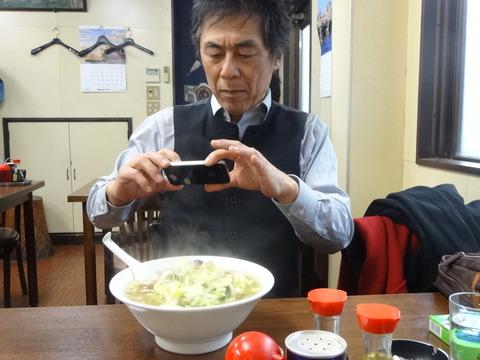 タンメン撮影中の北尾隊長