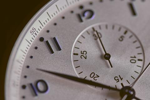 時計が時を刻んでいる