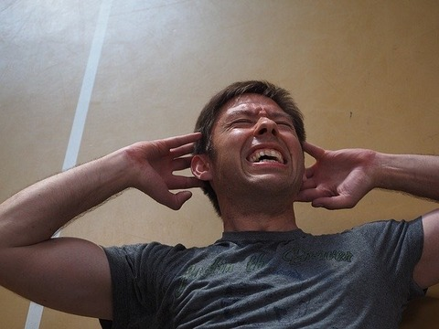 運動をしてたくさんの汗をかいている