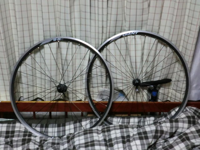 自転車の シマノ 自転車 ギア グレード : 比較対象は旧ホイールのGIANTのS ...