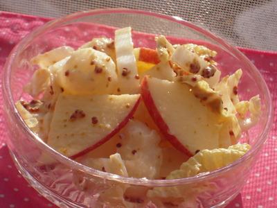 キャベツとりんごと長いものサラダ粒マスタード風味